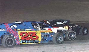 IMCA modifieds 3 wide, photo LVMS